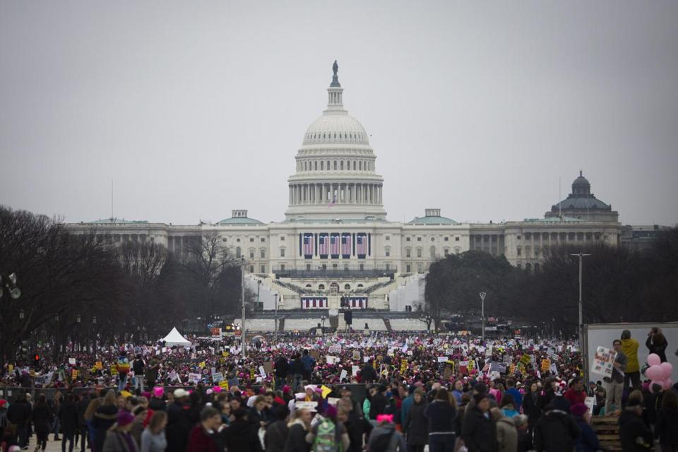 Early numbers suggest #WomensMarch is bigger than Donald Trump's inaug...