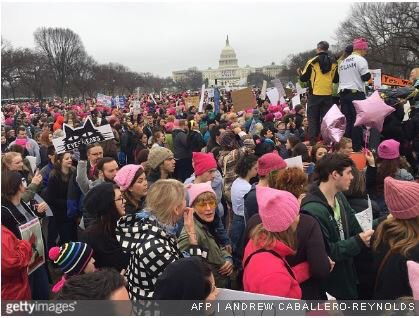 BREAKING: @CNN reports more people on National Mall for #WomensMarch t...