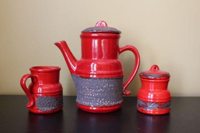 Gâtez-vs&amp;épargnez pour une bonne cause.Notre vente de Kijiji:  http://www. kijiji.ca/o-posters-othe r-ads/5761433 &nbsp; …  Ens/#thé #poterie  Double #Crockpot #leveedefonds<br>http://pic.twitter.com/8qg73hQDEo