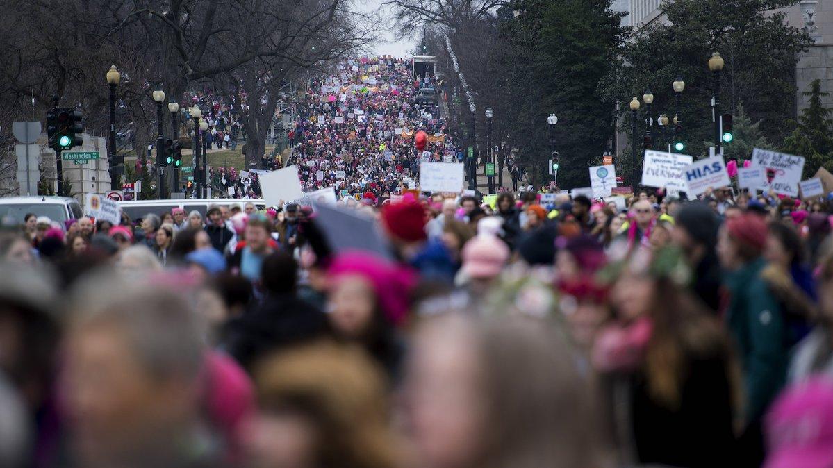 Dünya çapında binlerce kadın sokağa çıktı, protestoların hedefinde Tru...