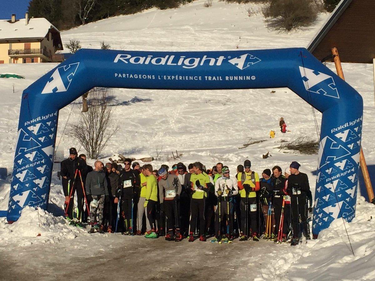 #RaidLightWinterTrail C&#39;est partie pour le WinterTrail 2017! Des photos du départ du KMV #Chartreuse #Raidlight #SnowParadise  #Trail #KMV<br>http://pic.twitter.com/xssF6Ape8P