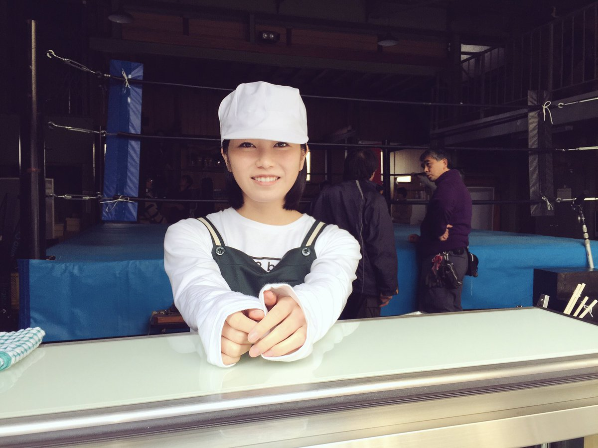 #豆腐プロレス  第2話もお楽しみに✨✨  私は宮脇豆腐店という豆腐屋さんでアルバイトをしています。…