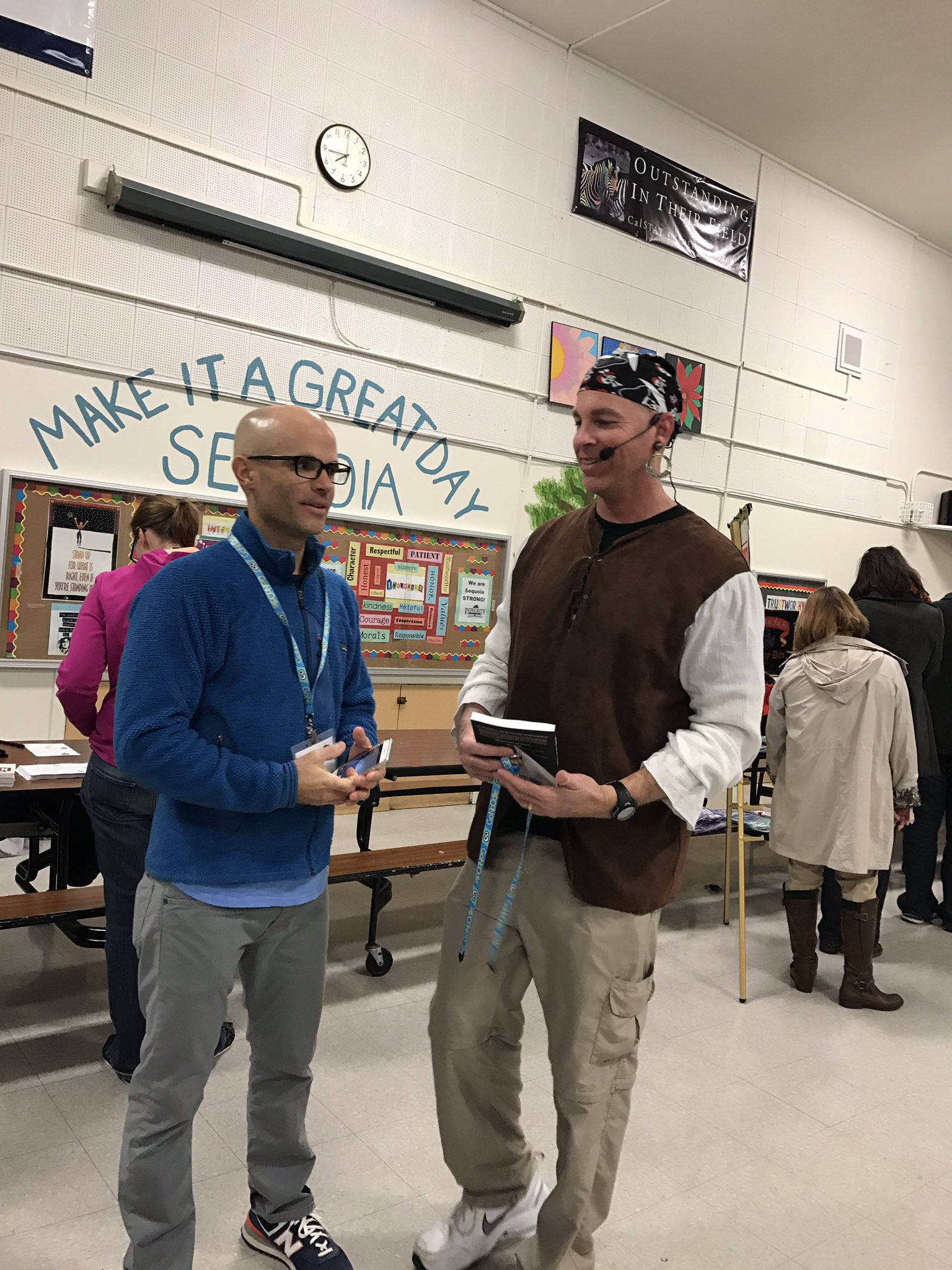The man @burgessdave getting ready to share eduawesome teaching techniques catching up with @awelcome #edcampcoco #tlap https://t.co/GWSqIAwNPP