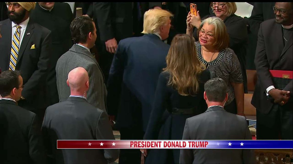 .@POTUS shakes @AlvedaCKing's hand at the National Prayer Service. htt...