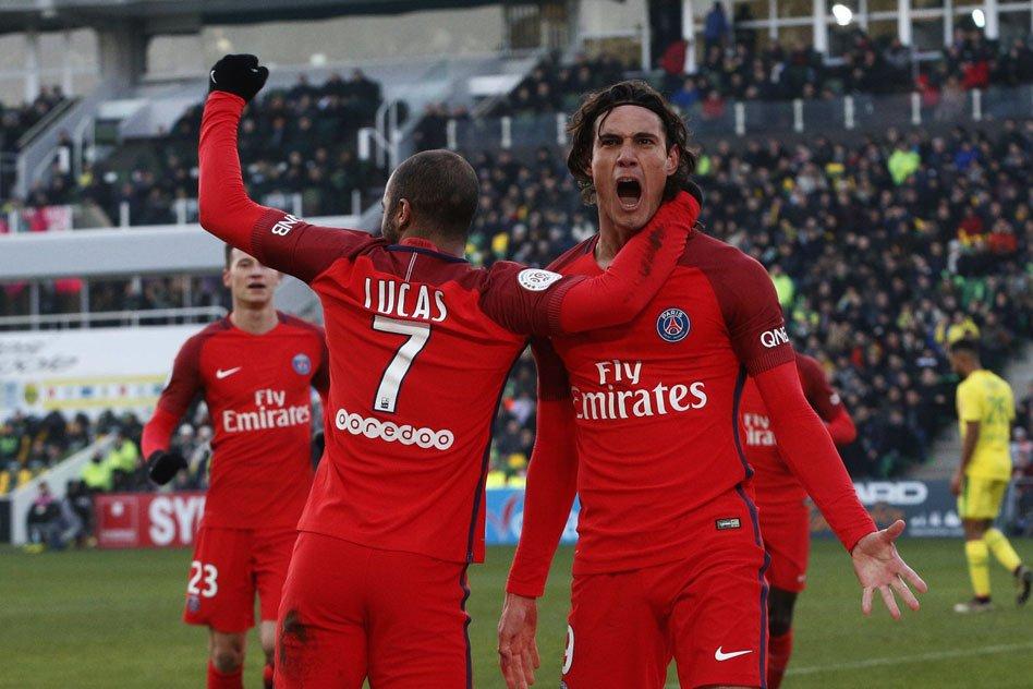 45' C'est la mi-temps ! 1 à 0 pour @PSG_inside face à Nantes ! #FCNPSG...