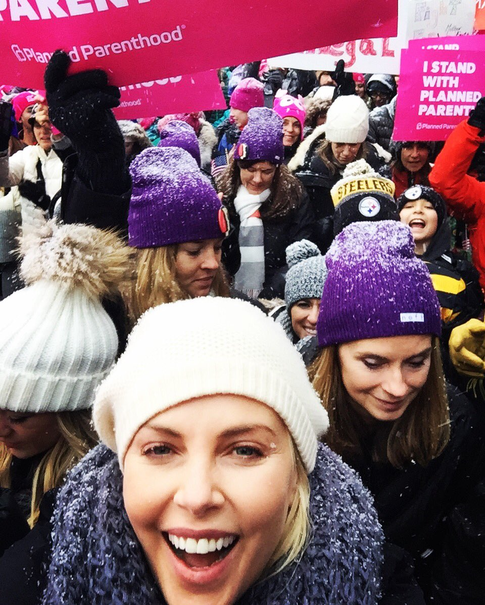 Representing here at Sundance !#womensmarch #marchonmain https://t.co/oqEalezNJh