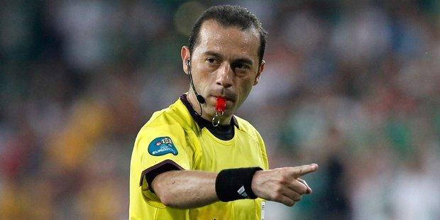 'Cüneyt Çakır, Karabük'teki baskıyı kaldıramıyor, eyyam penaltısı verd...