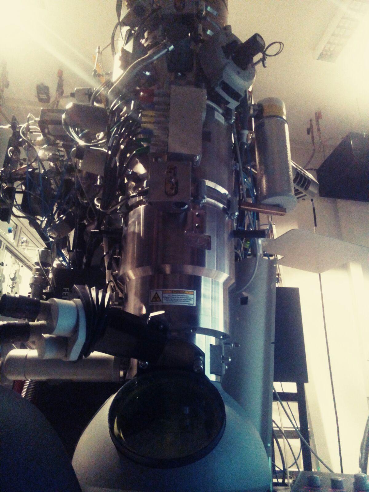 #ndwgoe Erstaunt vom einzigen Environmental Transmissions-Elektronenmikroskop in Deutschland. #millionenfachevergrößerung #göttingen #physik https://t.co/3NAY4GuWeb