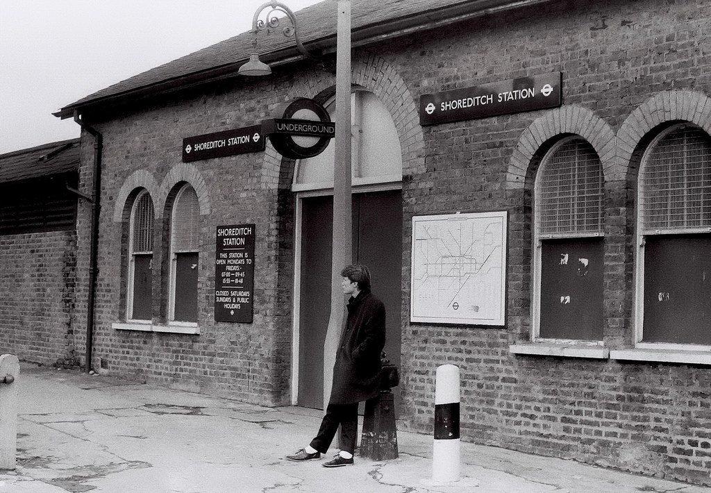 C2tghwKXUAQuUwC - The East London Line: Ten years on...