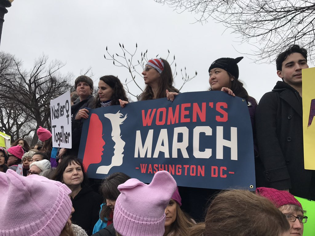 Happening now in D.C.! We just heard 600,000!! #WomensMarch #HeretoStay https://t.co/MVZ9gxMVMK