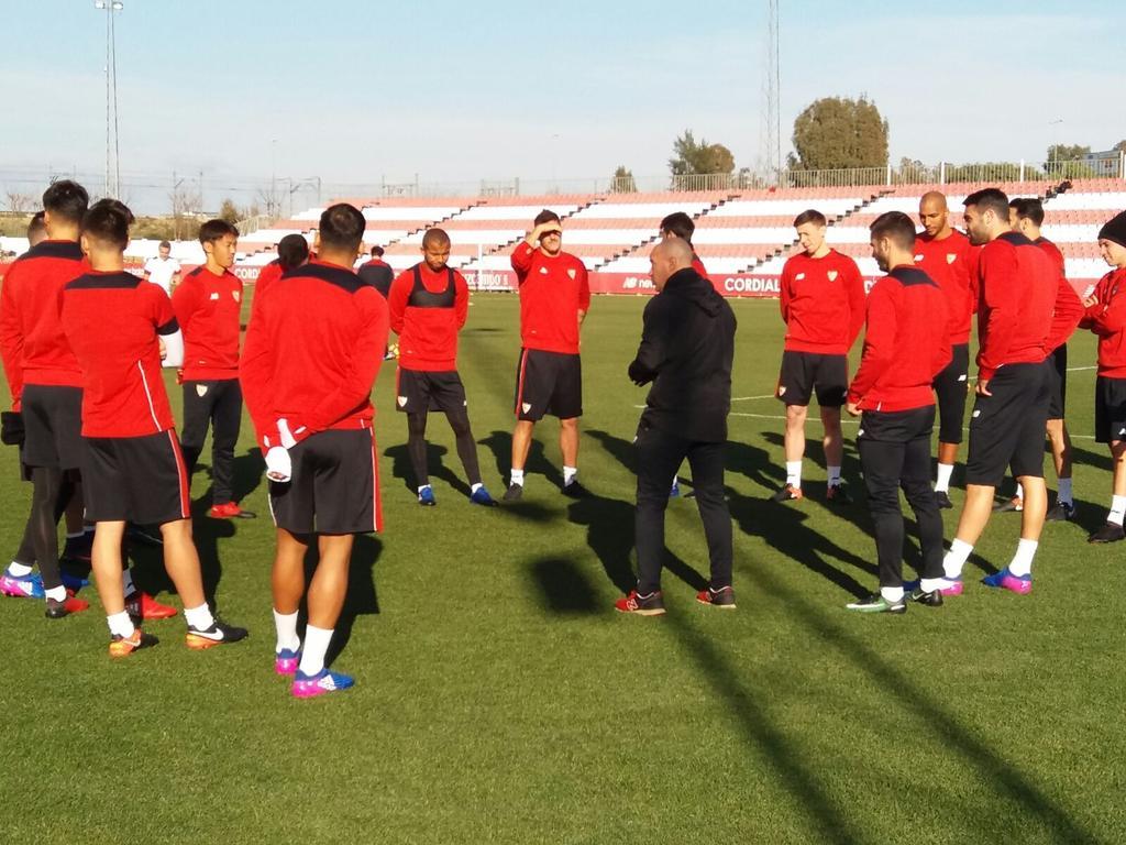 CONVOCADOS l 18 jugadores viajan a Pamplona ➡ https://t.co/Px2UTkt8FX...