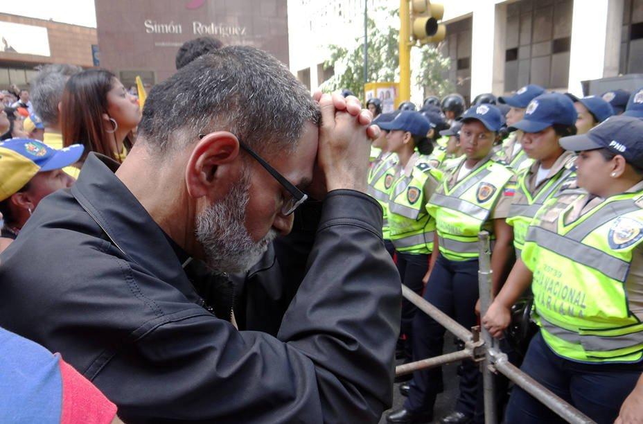 Padre Palmar ofreció canjear su libertad por la del concejal de Maraca...