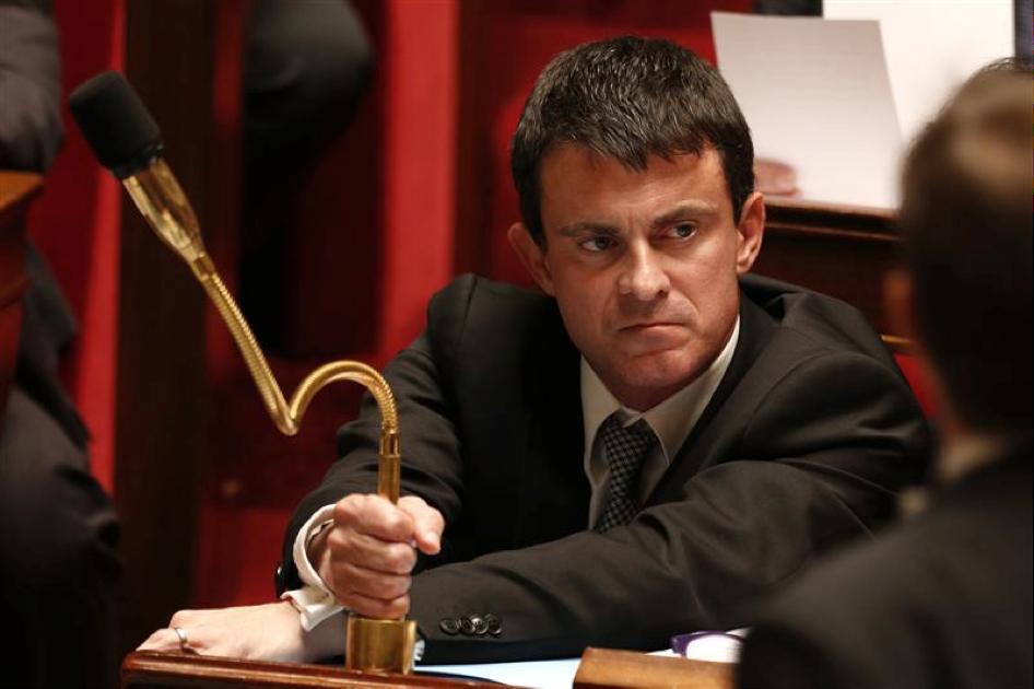 Quand Valls envoie tout valser pour revoir toute sa campagne de com dans sa course à la primaire de la gauche  http:// buff.ly/2iNWk6N  &nbsp;   #pol <br>http://pic.twitter.com/O4Fs1hgQ1A