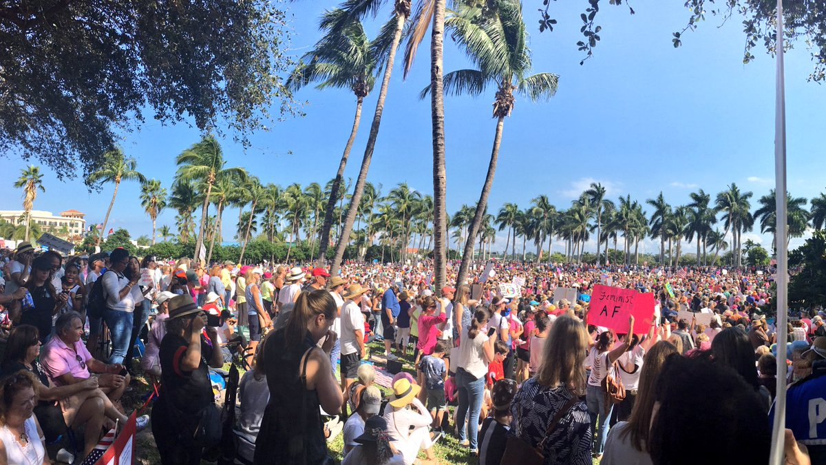 Amazing and inspiring turnout today at the #WomensMarch in West Palm Beach https://t.co/rlAQoVzwjy