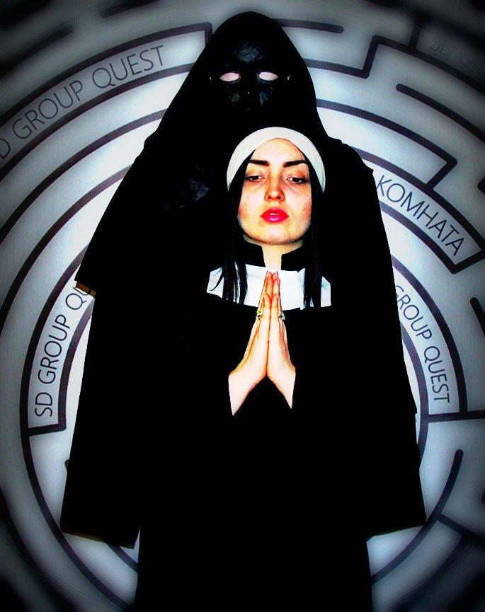 Поздравления от попа и монашек