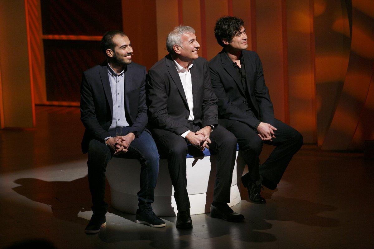Riccardo Scamarcio a #CePostaPerTe è il regalo di Fabio e Simone per S...