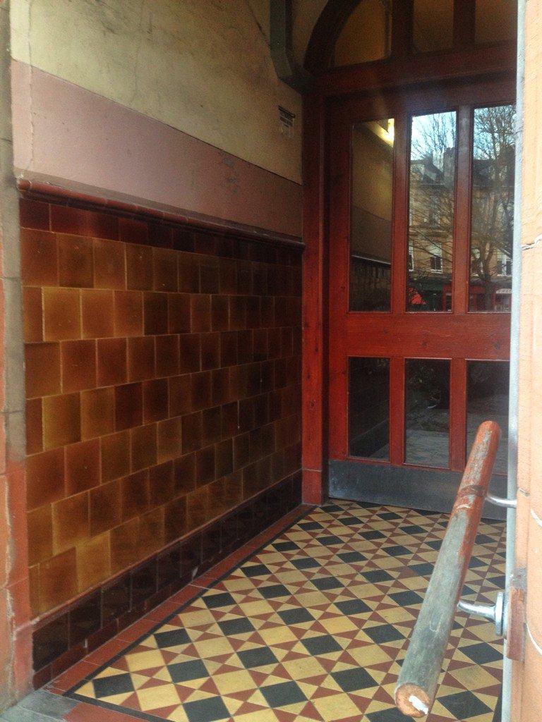 Tenement tiles on twitter strathbungo southside of glasgow tenement tiles design vintage ceramics scotland scottish floortiles picitterrsdc8mb4au dailygadgetfo Image collections