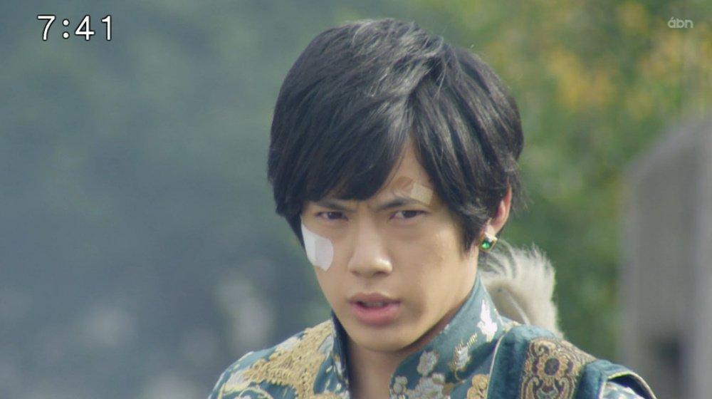 一年見てると演者さんの顔つきがよろしくなるのがわかるのが楽しみなんよね  #zyuohger  #n…