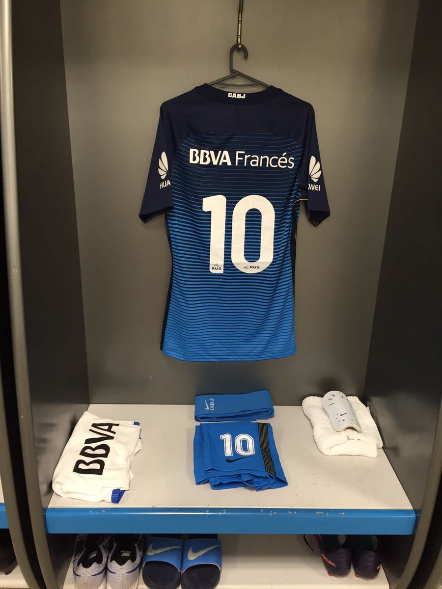 Todo listo: la camiseta 10 que usará Ricardo Centurión frente a Estudi...