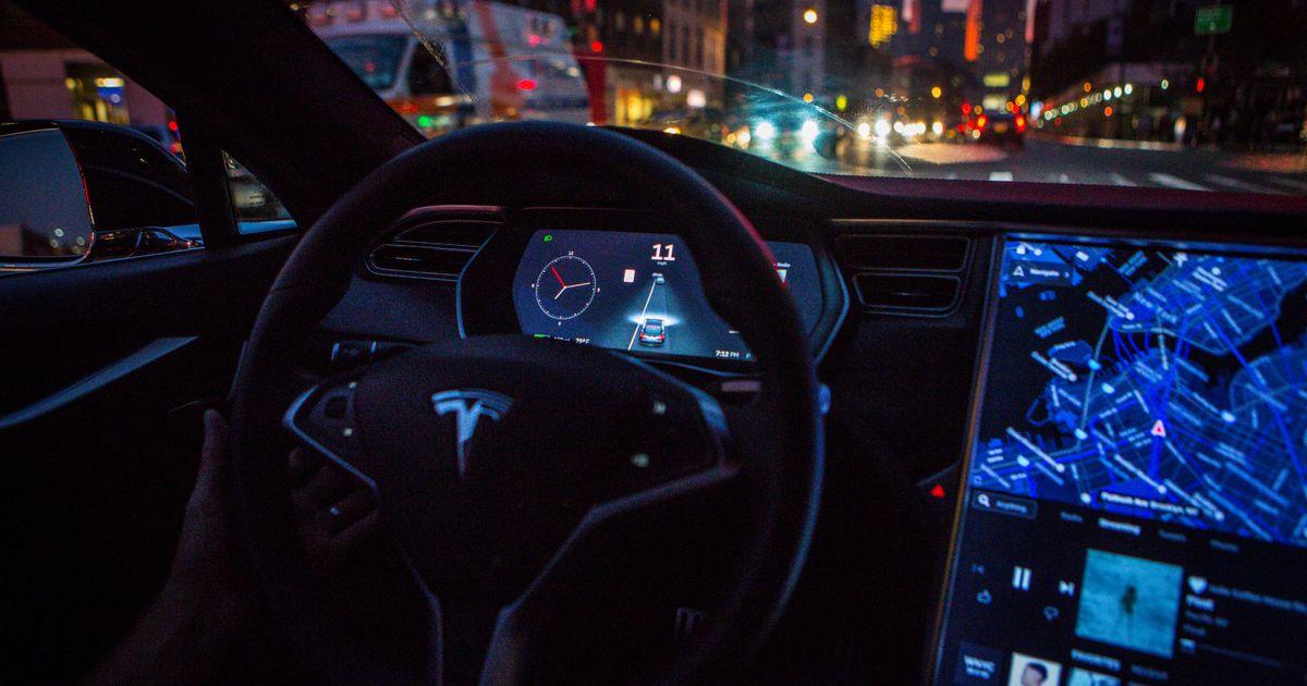 Tesla's big Autopilot update is now active on newer cars https://t.co/...