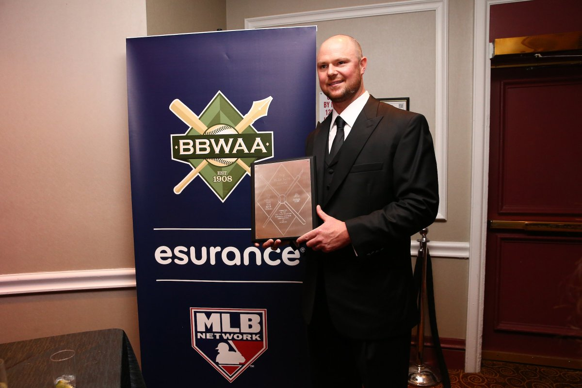 .@JLester34 is honored at the @officialBBWAA dinner with the Babe Ruth...