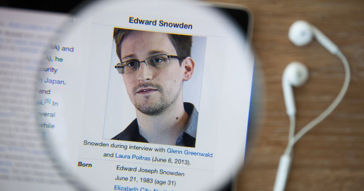 Snowden's preferred email provider, Lavabit, has been resurrected http...