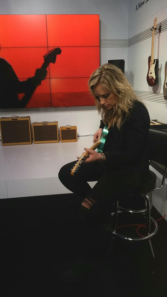Thanks for visiting our #FenderNAMM booth @ClareDunnMusic 🎸 https://t....