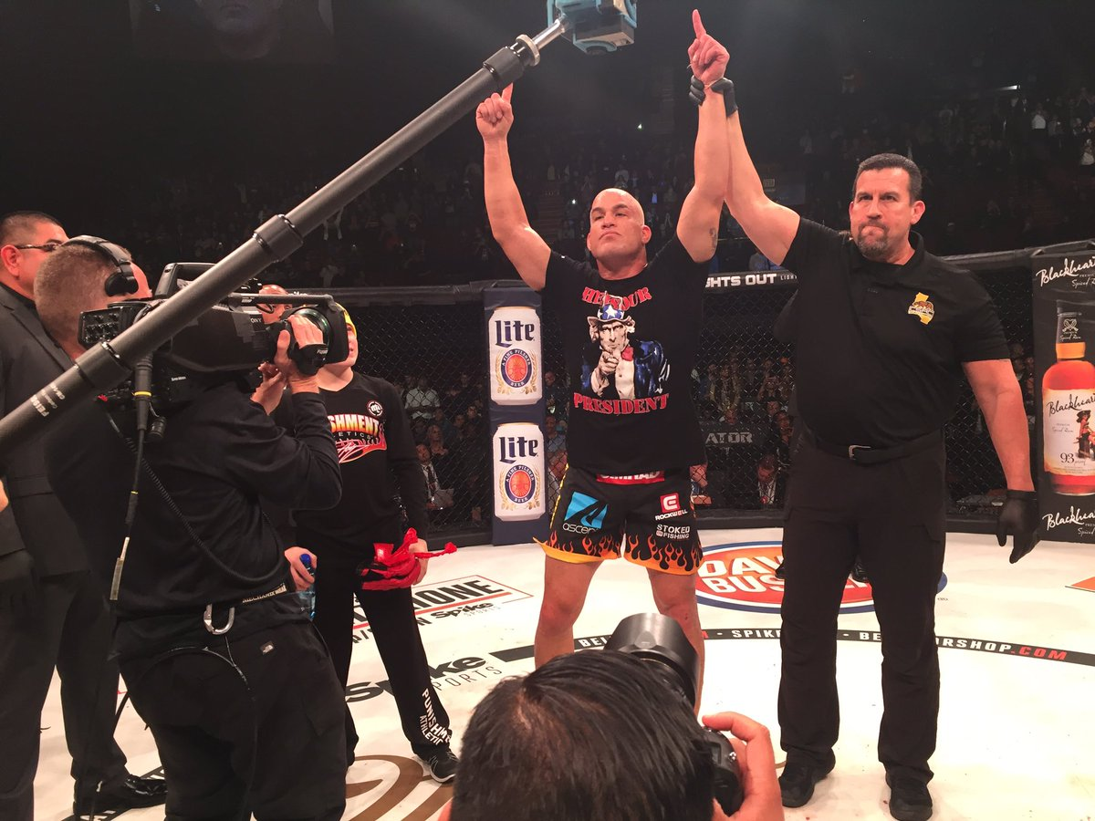 .@titoortiz ends his career by defeating Chael Sonnen via submission i...