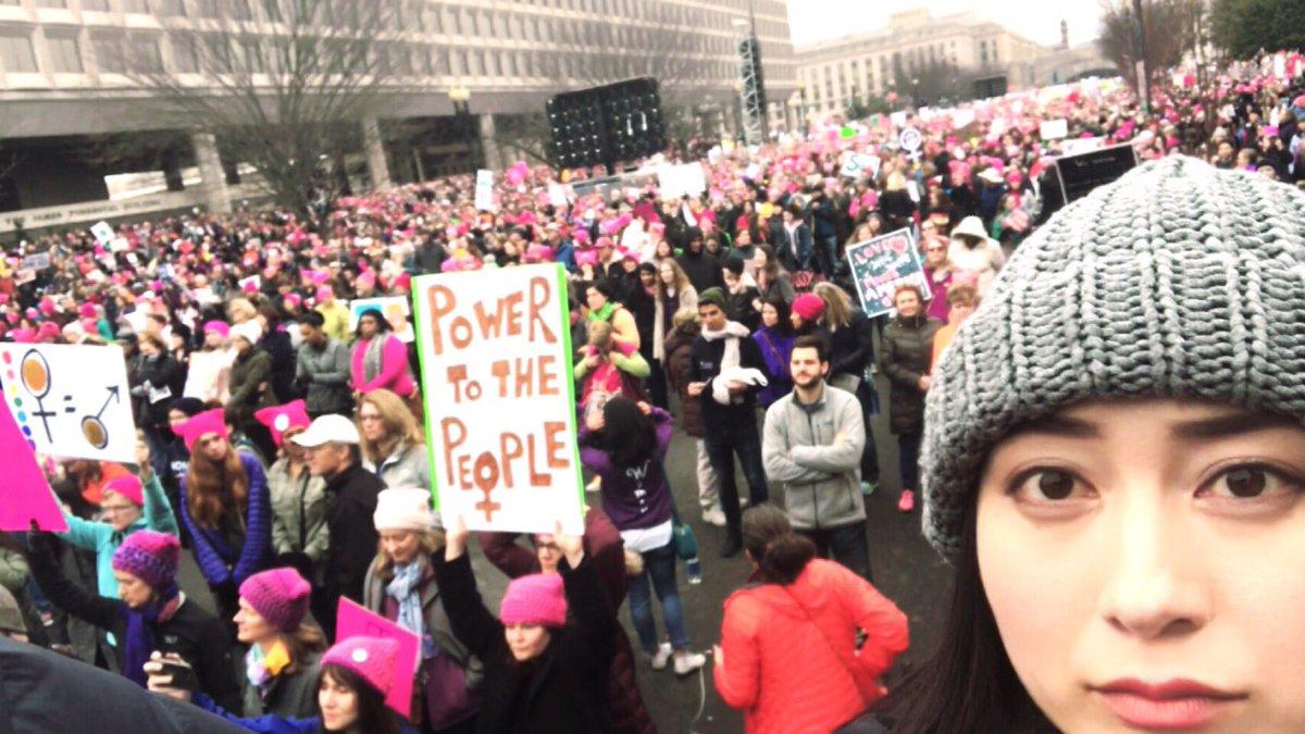 こんなに多くの人を1度に見たのは初めてです。トランプ大統領誕生の翌日、世界中で行われたトランプ大統領…