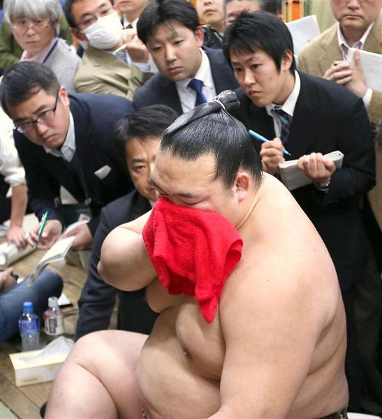 「初V・稀勢」の横綱昇進を諮る理事会要請へ 審判部長「誰も物言いは付けないでしょう」 sankei.…