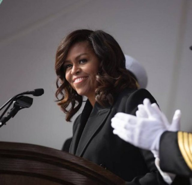 Michelle Obama abre conta pessoal no Instagram e fãs enlouquecem https...