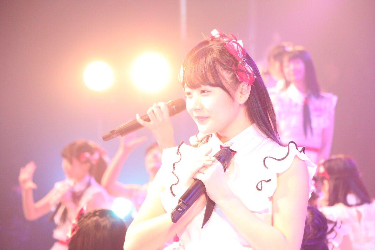 可愛い女の子が沢山の ステージの写真を撮るのは それはもう、めちゃくちゃ楽しい。  ステージの照明が…