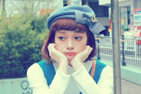 Japanese girl goes viral for looking like EXO Chen's sister ➜ Read Mor...