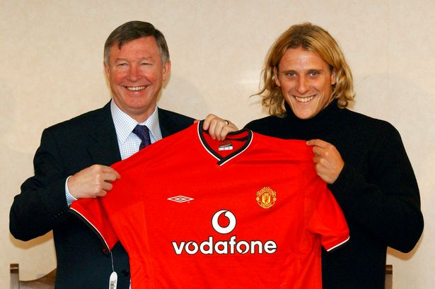 #onthisday 2002 Diego Forlán signed for Manchester United https://t.co...