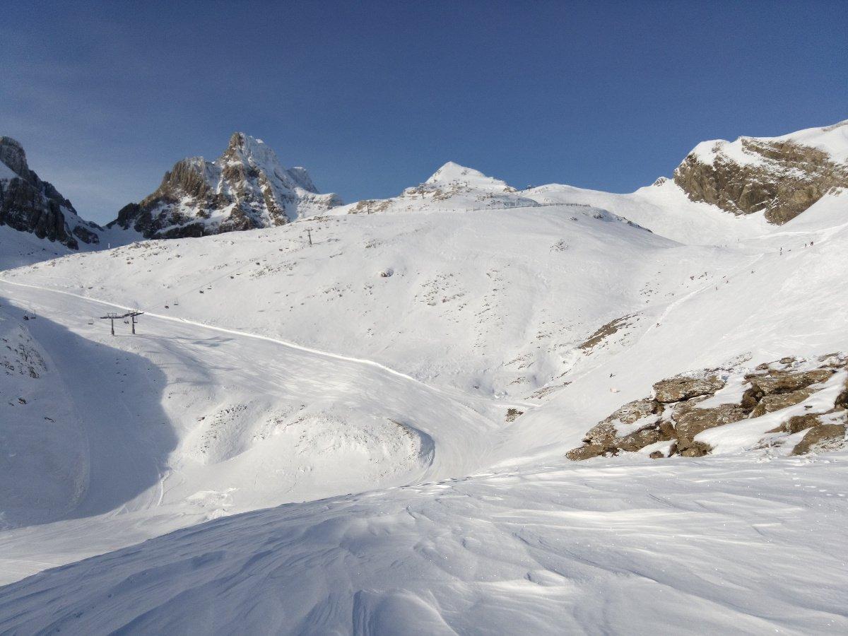 Y por fin sábado con nieve ❄️🏂⛷️❄️ en #Candanchu ➡️https://t.co/I44y0p8N4b gracias iblasi por compartirlo 👍