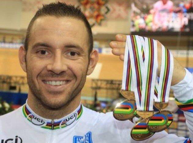 François #Pervis sur @cyclismactu : La DTN veut briser ma carrière. #Piste #TeamBaugé #SQY #Track #DTN #TDU #UCI  http:// bit.ly/2iQfXLt  &nbsp;  <br>http://pic.twitter.com/qXeE6uYmrj