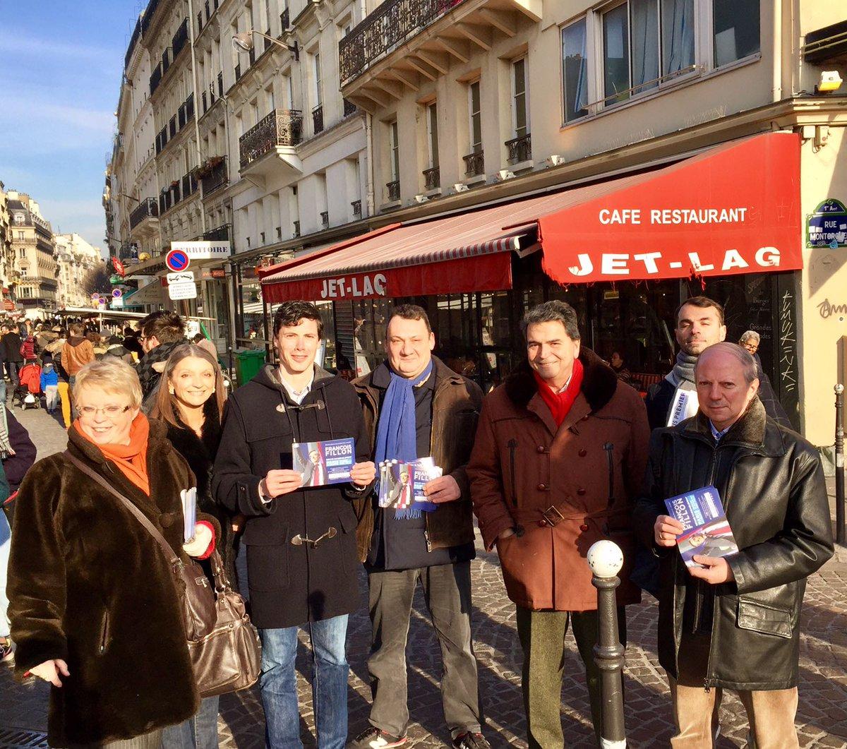 Ce matin élus et militants unis autour de @LellouchePierre pour tracter sur le grand rassemblement de François Fillon 29/01 ! #Fillon2017 <br>http://pic.twitter.com/ggrL1KYmcZ