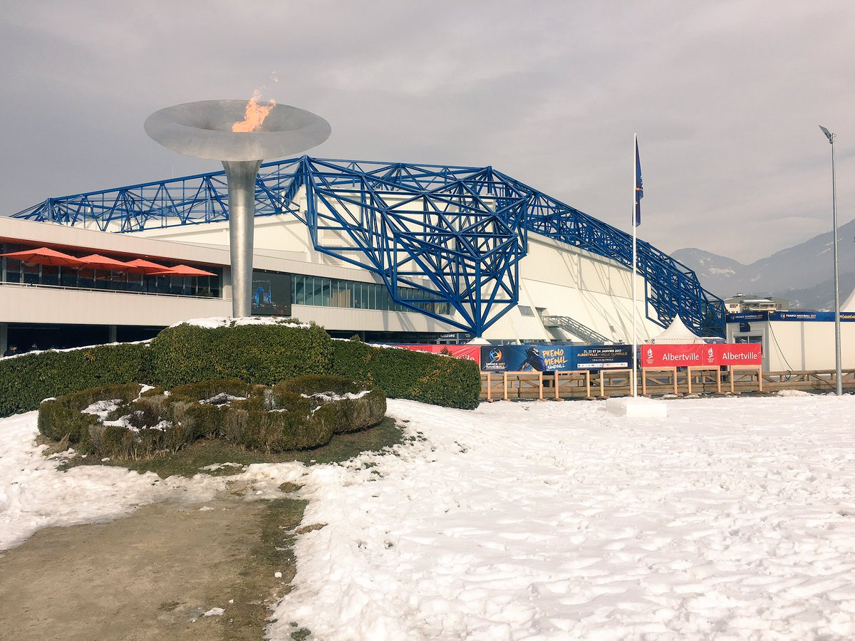 Albertville a rallumé la flamme olympique pour #Handball2017 ! #DANHON...