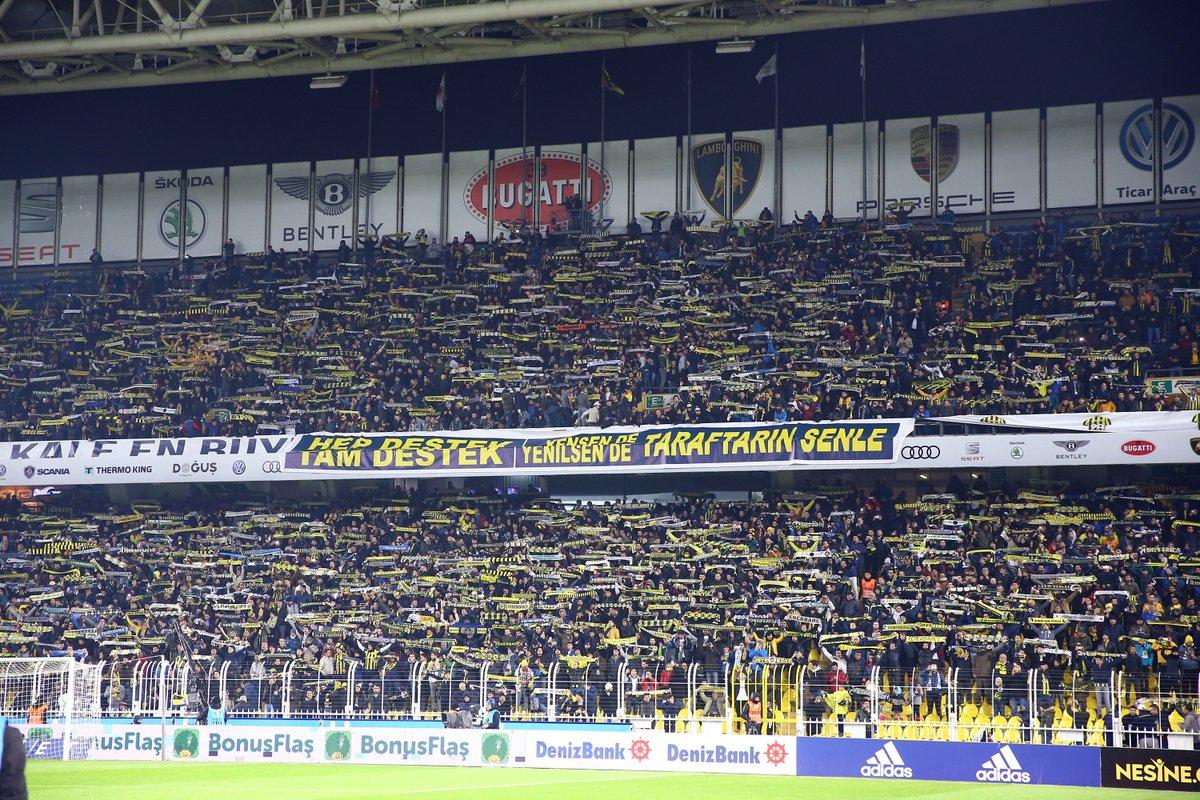 Fenerbahçe tribünleri https://t.co/JXuTr1knpN