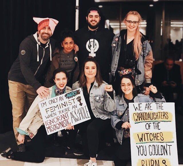 #INSTAGRAM Sophia et des amis à la #WomensMarch de Washington hier.<br>http://pic.twitter.com/2edoeGKGKR