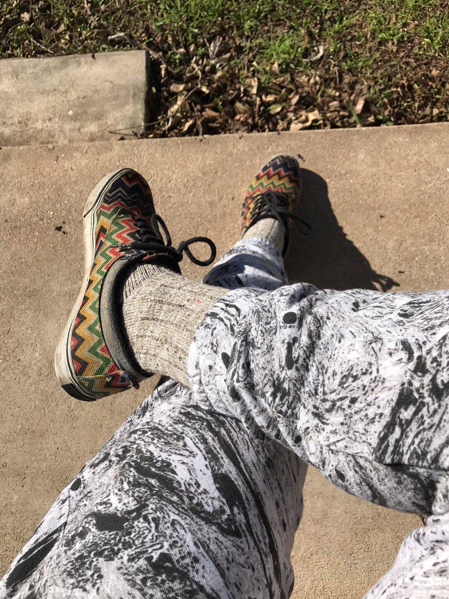 Nothing beats the feel of a new pair of sweatpants #joggers @Koralactivewear @SockClub @Radii_Footwear<br>http://pic.twitter.com/VXjr0eH7vB