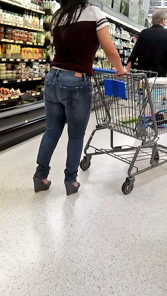 Fat milf booty shopping
