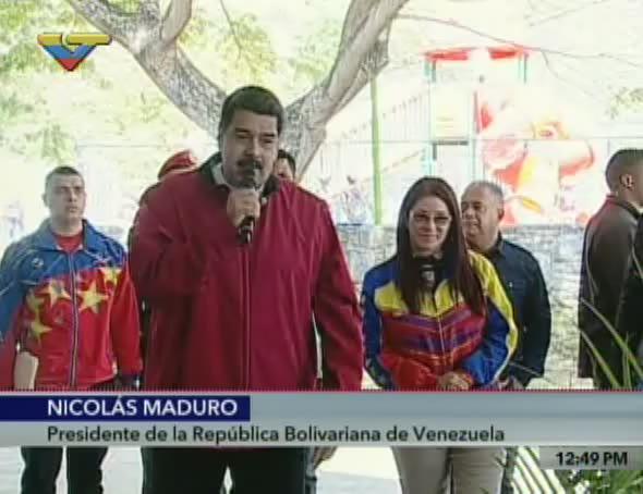 .@NicolasMaduro: El carnet de la patria es para hacer el gobierno más...