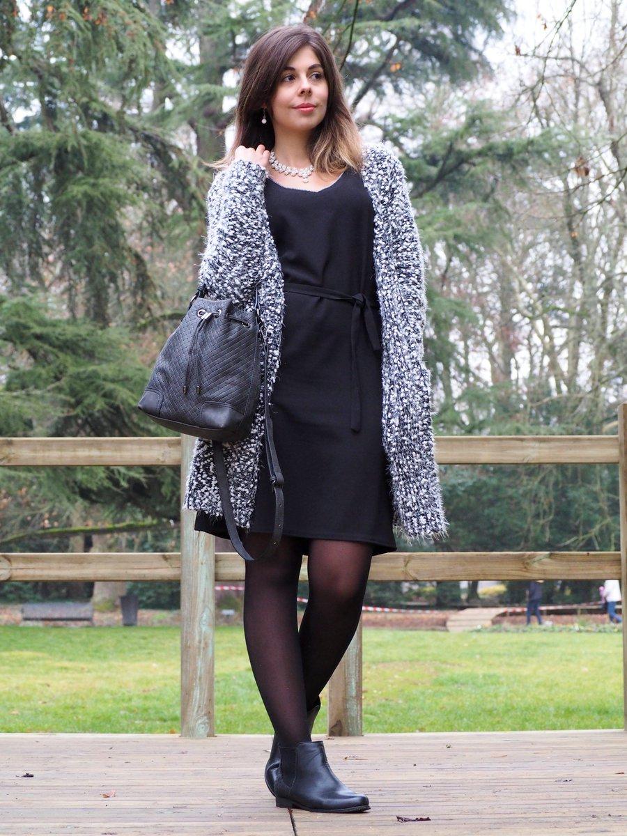 Porter sa petit robe noire en hiver : @Sweety_mely_ vous donne ses conseils (#robe #babou 17€ #boots 22€ #sac 10€)  http:// buff.ly/2jTzmZ1  &nbsp;  <br>http://pic.twitter.com/E53sevDQNY