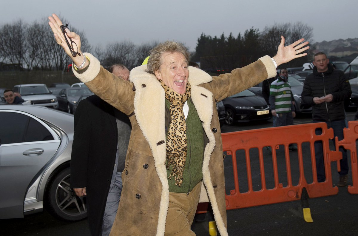 Sir Rod Stewart's outfit for the Scottish Cup draw... 👀 https://t.co/0...