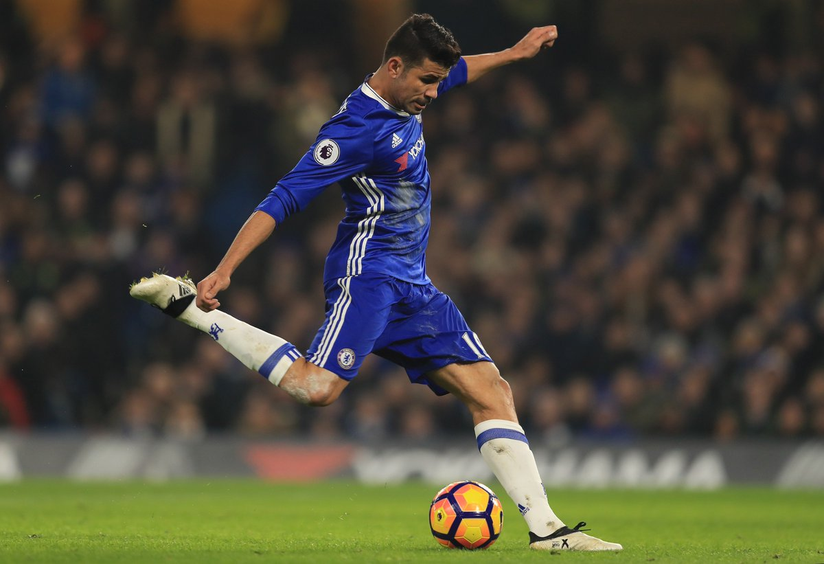 Half-time: Chelsea 1-0 Hull City. @diegocosta's strike is the differen...