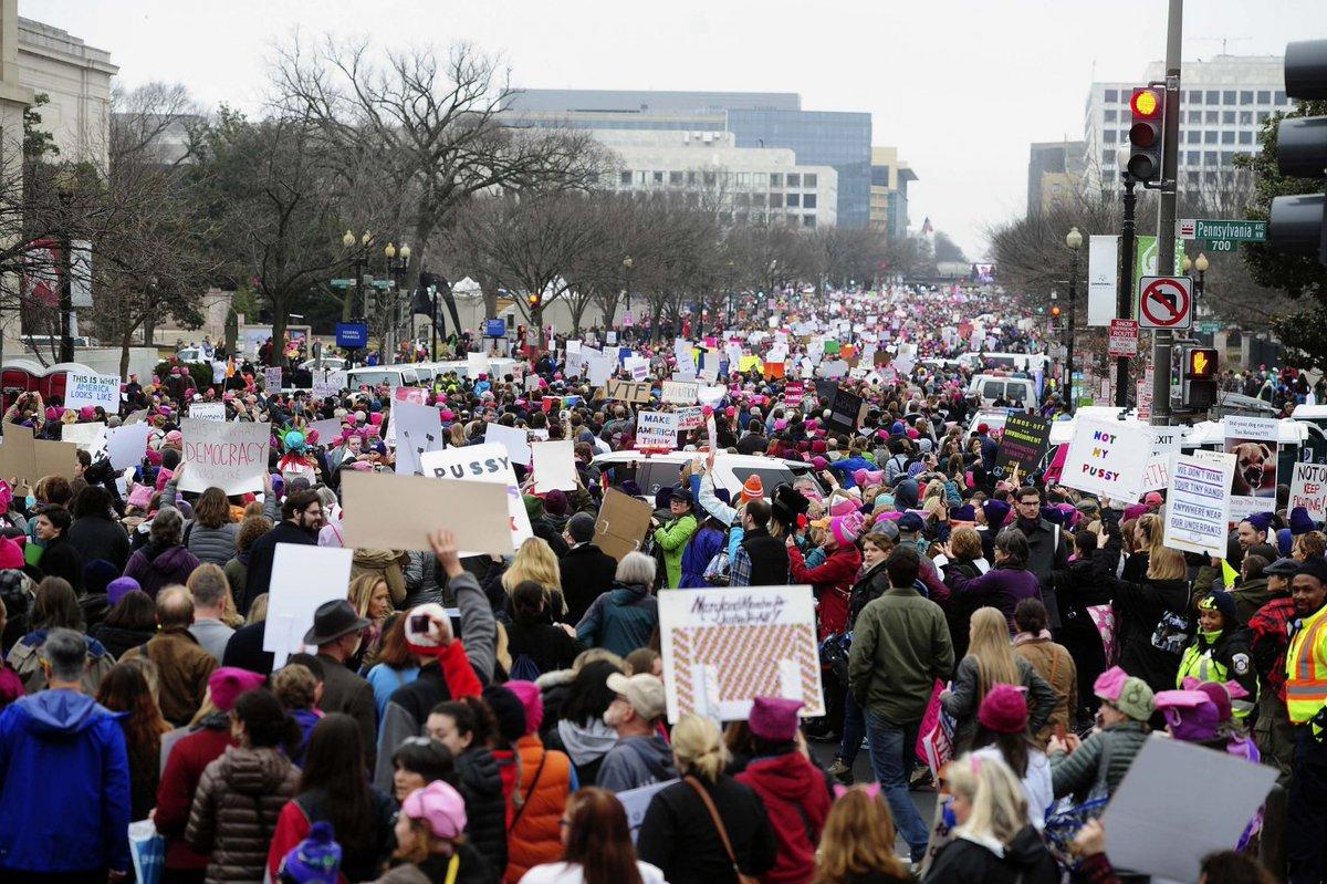 Con el movimiento feminista a la cabeza, la oposición a Trump tomó las...