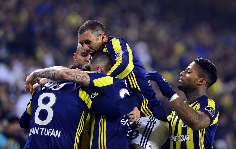MAÇ SONUCU | #Fenerbahçe: 1 - #Başakşehir: 0 https://t.co/znGuqYs2um h...