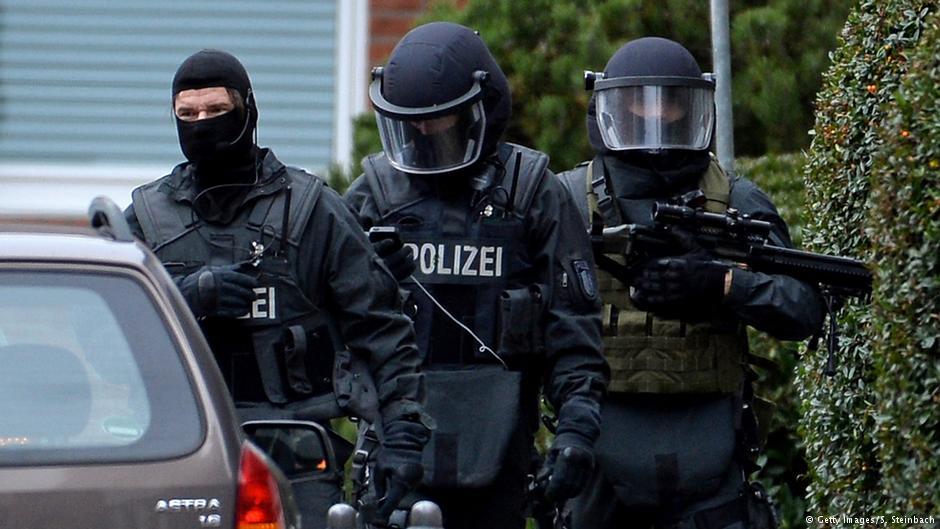 Detenido en #Alemania presunto #terrorista islámico, cómplice del arrestado en #Viena.    http:// bit.ly/2iRBrYA  &nbsp;  <br>http://pic.twitter.com/qRlrALRXnJ