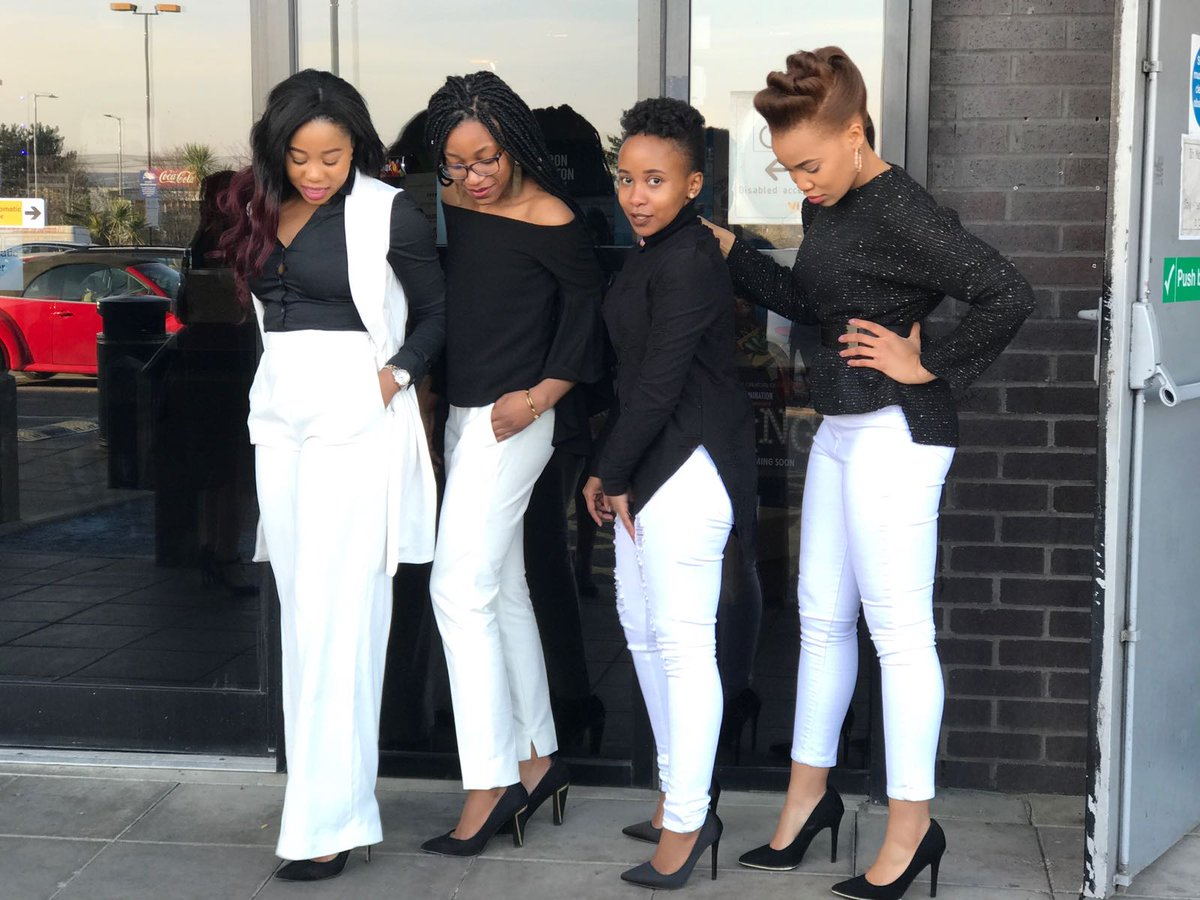 My sisters are slayin #from their mothers&#39; side and fathers&#39; side  @BeverlyUAngel @UebertAngel<br>http://pic.twitter.com/czFgQoS1xe